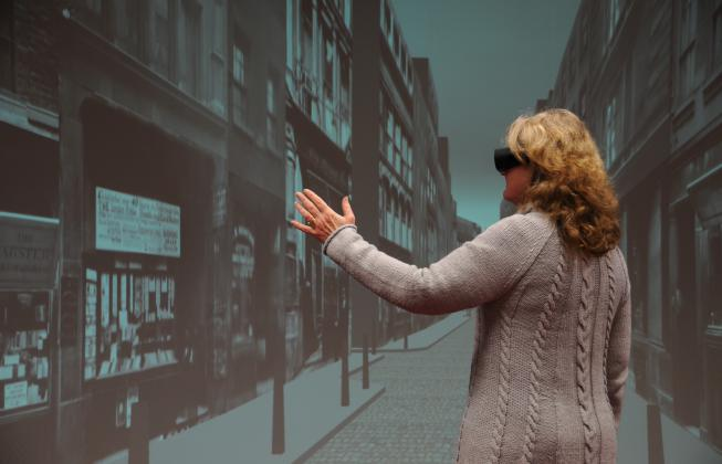 Interacting with a virtual world using gestures